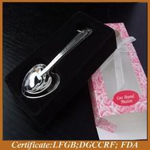 Valentine heart shape measuring spoon