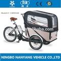 moto triciclo com caixa de carga