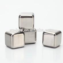 FDA & BPA free sus 304#stainless steel glow whiskey ice cube