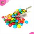 Recubiertos de azúcar duro grageas m&m caramelo smarties como granos de chocolate