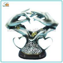 Newest silver bride groom resin hands figurine wedding table decoration