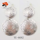 exclusitive fashion dangling silver double carved round shaped earrings
