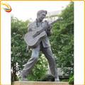 تمثال من البرونز أمريكا الموسيقى الشعبية الشهيرة إلفيس بريسلي