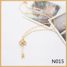 New design Crystal diamond hollow out key shape pendant necklace wholesale