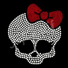 Skull Wearing a Red Bow rhinestone transfer hotfix motif for fashion wear