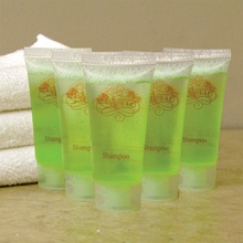 good qualityl disposable hotel amenities set /30ml hotel shampoo /natural handmade soap oem