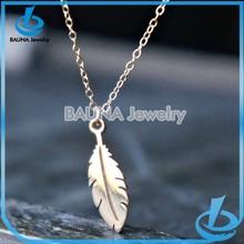 Wholesale fashion gold pendant necklace plain alloy leaf necklace