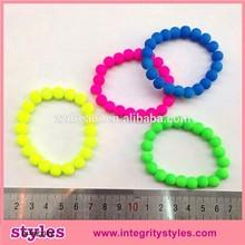 Hottest charm plastic bead night lights bracelet promotion gift