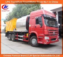 10-wheel howo Road paving truck asphalt sprayer howo 10ton bitumen truck for sale
