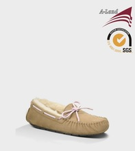 Women Dakota Sand Double face sheepskin Authentic Indian Moccasin