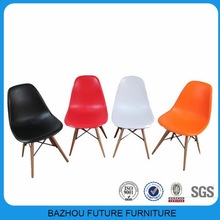 solid wood legs very hot sell plastic dining chairs