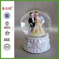 polyresin custom bride & groom wedding favors snow globe &water globe wholesale