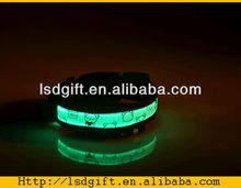 LED Nylon Pet Dog Collar Night Safety LED Light-up Flashing Glow in the Dark Lighted Dog Collars