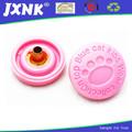 venta al por mayor de prensa de gran tamaño de plástico complemento botón