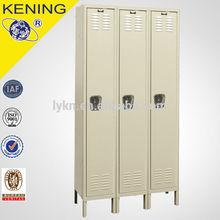 Outdoor storage rustproof locker with foot