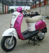 Fashional pink small gas scooter