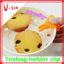 Children like it simple use kitchenware silicone cute rabbit chopsticks rest for sale