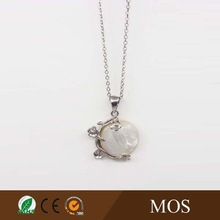 white MOP stone round shape jewelry pendant necklace with metal flower accents