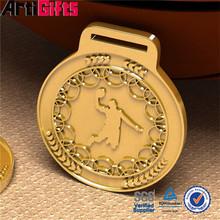 Wholesale metal player shooting basketball posture bronze stamped metal sports medal