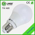 Alto brillo A60 de aluminio 7 W led del bulbo 5730