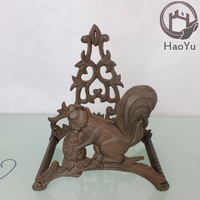 squirrel shaped cast iron water pipe for garden decoration