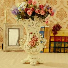 Porcelain Royal Vase with four foots design rose for decorative