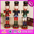 2015 novo estilo de madeira quebra-nozes, Luxo brinquedo de madeira quebra-nozes, Personalizado de madeira presente de natal quebra-nozes soldado W02A046
