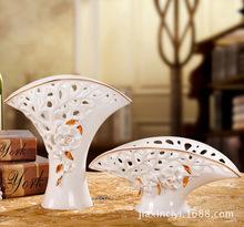European royal household ceramic ornaments clubs gilt pierced decorative ceramic vase vase table