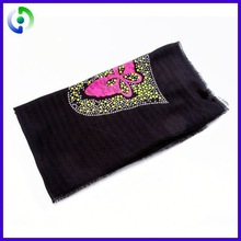 Professional Factory Cheap Wholesale Custom Design 2012 fashion crochet scarf 2015