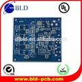 Montado placa de circuito impreso( pcb) con componentes electrónicos
