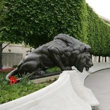 black stone famous lion sculpture national law enforcement officers memorial