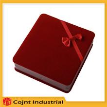 De seda elegante de la joya caja de regalo modern kevin reilly altar colgante caja