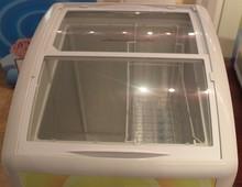 ซูเปอร์มาร์เก็ตแสดงตู้เย็นตู้แช่แข็งขนาดเล็กที่มีประตูกระจกเย็นช่องแช่แข็ง