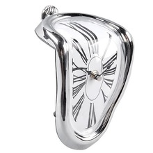 Roman Numeral Retro Art Novelty Distorted Timepiece Melting Quartz Irregular Clock
