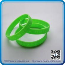 2014 popular Rubber event wristband glow in the dark silicone wristband