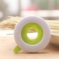 YL082 New Style spaghetti measuring tool plastic pasta measure