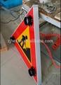 الصمام الشمسية إشارات المرور على الطرق مثلث العمل الإلكترونية