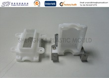Injection Molded White PP Connector Socket China Plastic Part Contract Manufacture