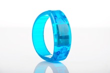 2015 remote control LED fabric wristband specially for big party or vocal concert