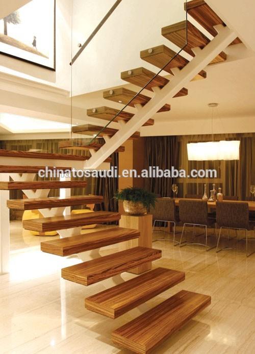 De interior interior s lido de las escaleras de madera for Modelos de gradas de madera