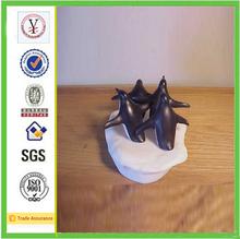 ODM / OEM Creative resin penguin