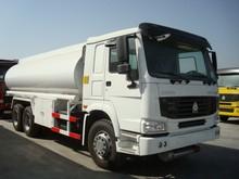 White Truck Oil Tank Truck 6*4