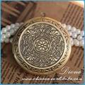 Argento antico medaglione collana pendente per arredamento, medaglione in ottone inciso, medaglione di collana vintage