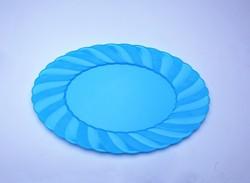plastic dinner plates and salad plates