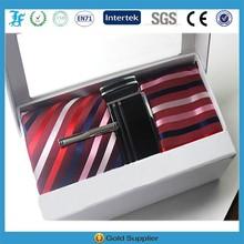 Promoção moda caixa de presente terno sobre o cinto e gravata