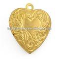 de oro en forma de corazón collar locket