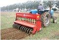 la máquina sembradora para el trigo y el maíz