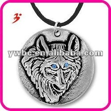 fashion alloy wolf with blue crystal eye necklace (186592)