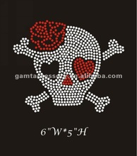2012 beautiful and fashional rhinestone iron on transfers big skull with crossbones for clothing hottest sale