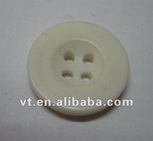 2012 Hot sale 4-Hoel Perfect Plastic button for garment